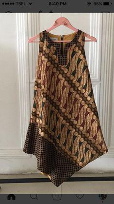 Best 12 selampad – Page 435441857713779980 – SkillOfKing. Batik Blazer, Blouse Batik, Batik Dress, Short African Dresses, Latest African Fashion Dresses, African Print Fashion, Dress Batik Kombinasi, Batik Mode, Batik Fashion