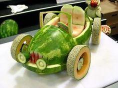 Watermelon Car Watermelon Carving Easy, Watermelon Art, Fruit Creations, Creative Food Art, Fruit And Vegetable Carving, Food Carving, Food Garnishes, Fruit Arrangements, Fruit Displays