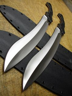 """Tacopis Shortsword by American Kami. These 15.25"""" inch blades are weight-forward for heavy chopping strokes. 1095 differentially heat-treated carbon steel from a reputable bladesmith. I am a firm..."""