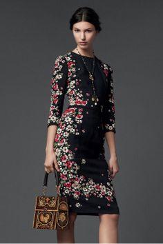 Smalle ditsy middle sleeve sliming dress_Dresses(d)_DESIGNER_Voguec Shop