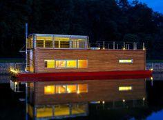 Thesayboat Modern Houseboat Photo