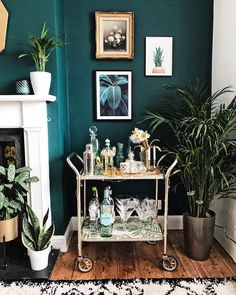 • Colour Combo • My favourite colour combo at the moment has to be dark teal and gold. I managed to get this gold trolley and gold framed…