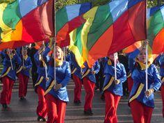 De guard zorgt voor kleur tijdens streetparades!