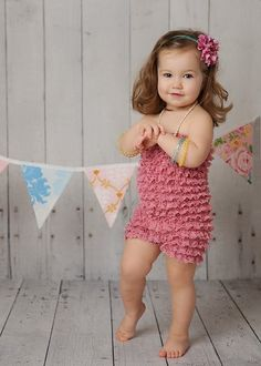 I have to make this for my baby niece.  Found the pattern now need to find the fabric!
