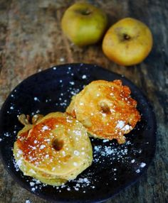 Apple fritters, without frying - Maurizio Balm Beignets, Churros, Apple Fritters, Cooking Recipes, Healthy Recipes, I Foods, Sweet Recipes, Donuts, Dessert Recipes