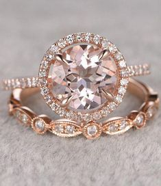 Engagement Rings 2017 – Morganite Bridal Ring Set in Rose Gold… Engagement Rings Ideas & Trends 2017 - DISCOVER Morganite Bridal Ring Set in Rose Gold Discovred by : ༺♥༻Nadiouchcka༺♥༻ Wedding Rings Rose Gold, Rose Gold Engagement Ring, Engagement Ring Settings, Bridal Rings, Vintage Engagement Rings, Wedding Jewelry, Gold Jewelry, Jewellery Box, Gold Wedding