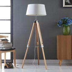 Katie-lattiavalaisin kolmihaaraisella puurungolla Fabric Lampshade, Tripod Lamp, White Fabrics, Floor Lamp, Comforters, Lights, Enchante, Home Decor, Ebay