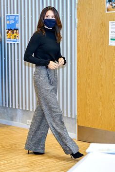 Crown Princess Mary, Princess Mary Casual, Prince Frederick, Queen Margrethe Ii, Danish Royalty, Casa Real, Danish Royal Family, Mary Elizabeth, Royal Fashion