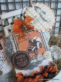 Paper Creations: Pocket Full of Tags ❤ Vintage style halloween treat bag witch and black cat with matching large tag decoration candy bag
