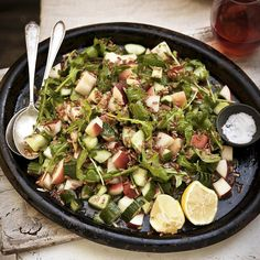 Healthy Recipes for Breakfast Foods to Help You Lose Weight - Blattspinat Rezepte Crock Pot Vegetables, Root Veggies, Quick Dinner Recipes, Breakfast Recipes, Chicken Fajita Bowl, Baked Scallops, White Bean Chili, Flat Belly Foods, Spicy Salmon