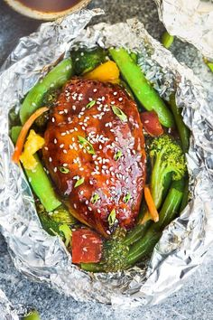 15 Healthy Chicken Foil Packets for Dinner - Easy Recipes for Baking and Grilling Chicken and Vegetables in Foil Foil Packet Dinners, Foil Pack Meals, Foil Dinners, Chicken Teriyaki Recipe, Grilled Chicken Recipes, Healthy Chicken, Grilled Food, Teriyaki Sauce, Chicken Fajitas
