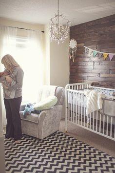 chambre bebe originale avec mur en planchers