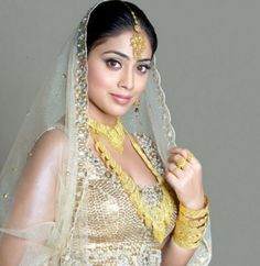 Bollywood Latest Jewelry 2011 #TripToIndia