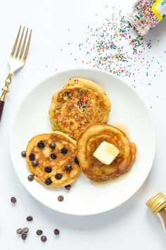 Fluffy Coconut Flour Pancakes - this recipe is gluten free, naturally sweetened and paleo friendly! A yummy breakfast treat that will keep you full and satisfied without a sugar crash.