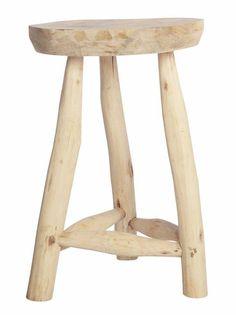 Netter, cooler Hocker Naturholz von Housedoctor aus unbehandeltem Mixholz. Durch dem Gebrauch von unbehandeltem Holz ist jeder Hocker einzigartig, wie originel!