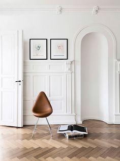 wood paneling, drop chair