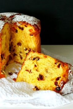 """""""This traditional Italian Panettone Recipe was originally a Christmas sweet bread but make it once and you will want it on your table at every holiday! A satisfying, comforting, show-stopping, affordable dessert, packed with lots of flavors. Easy Cake Recipes, Easy Desserts, Delicious Desserts, Dessert Recipes, Yummy Food, Panettone Cake, Italian Panettone, Easy Panettone Recipe, Italian Desserts"""