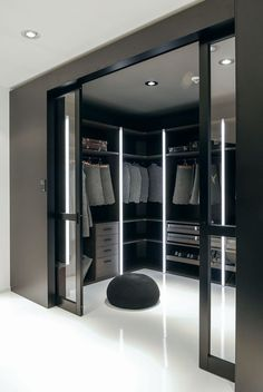 14 Walk In Closet Designs For Luxury Homes Fantastic luxury c. - 14 Walk In Closet Designs For Luxury Homes Fantastic luxury closets for your Mas - Walk In Closet Design, Bedroom Closet Design, Closet Designs, Luxury Bedroom Design, Luxury Home Designs, Luxury Master Bedroom, Master Bedroom Closet, Bedroom Black, Master Bedrooms
