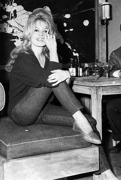 Brigitte Bardot in Paris for the filming of La vérité (1960)