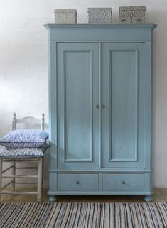 These 4 Living Room Trends for 2019 – Modells. Upcycled Furniture, Painted Furniture, Diy Furniture, Furniture Design, Reclaimed Furniture, Furniture Stores, Painted Wardrobe, Furniture Inspiration, Furniture Makeover