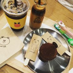 """LINE cafe ~^^ #가로수길 #라인프렌즈 #라인카페 #LINEcafe #LINEFRIENDs"""