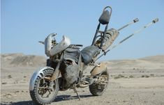 "Custom Motorcycle from ""MAD MAX : FURY ROAD"" YAMAHA YZF-R1 2009~ #motorcycle #Post_Apocalyptic"