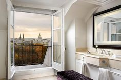 The Westin Paris—Bathroom with a View by Westin Hotels and Resorts, via Flickr