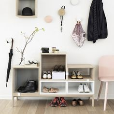 The Muuto Stacked Shelf System Ash Tree/White was designed by Julien De Smedt for acclaimed Scandinavian design house Muuto.This increasingly popular furniture Scandinavian Shelves, Scandinavian Design, Scandinavian Interiors, Scandinavian Living, Hallway Inspiration, Interior Inspiration, Design Inspiration, Deco Design, Design Case