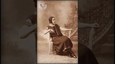 Η καστοριανή Σοφία Μαντοπούλου σε φωτογραφικό ατελιέ του Παρισίου την δε...