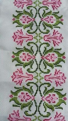 Best 12 Five star crochet pattern – Cross Stitch Borders, Simple Cross Stitch, Cross Stitch Flowers, Cross Stitch Designs, Cross Stitching, Cross Stitch Embroidery, Embroidery Patterns, Hand Embroidery, Cross Stitch Patterns