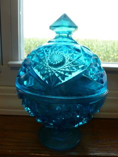 VINTAGE BRIGHT AQUA BLUE PRESSED GLASS CANDY DISH Compote ROUND PEDESTAL BOWL #UNKNOWN