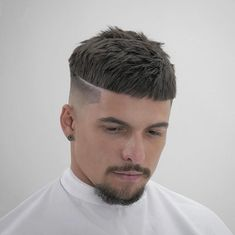 Crazy hairstyles for mens and womans, top hairstyles and kids facial hairstyles Top Fade Haircut, Crew Cut Haircut, Crop Haircut, Cool Hairstyles For Men, Trendy Haircuts, Haircuts For Men, Trending Hairstyles, Bowl Haircuts, Barber Haircuts