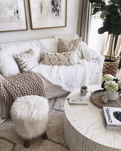 This coffee table...swoon!
