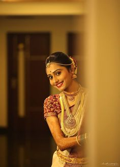 You can find the best wedding photographers, top wedding makeup artists, finest wedding decorators, top wedding planners, bridal stylists & affordable jewellery rentals South Indian Wedding Saree, South Indian Bride, Saree Wedding, Wedding Bride, Indian Weddings, Wedding Consultant, Wedding Makeup Artist, Bride Flowers, Wedding Costumes