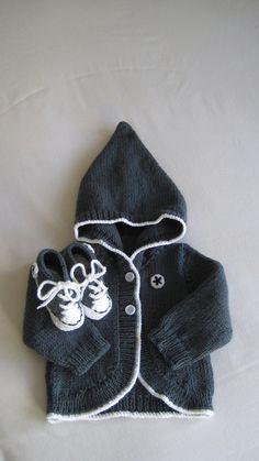 Estilo Converse con capucha y botines en gris pizarra por BabyJaneKnits