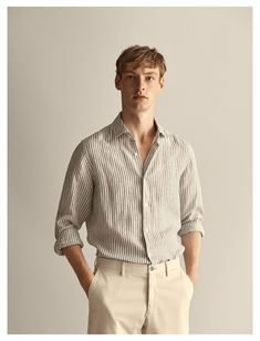 Outfits Casual, Stylish Mens Outfits, Mode Outfits, Men Casual, Mens Linen Outfits, Slim Fit Casual Shirts, Design Your Own Shirt, Spain Fashion, Mode Streetwear
