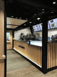 "The main task of the designers is to turn new generation of Yoshinoya's image from fast food chain into a higher quality brand image, turns the store at the core of the busiest commercial district of Hong Kong into a ""Top House""."