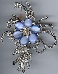 REINAD LARGE VINTAGE RHINESTONE BLUE GLASS MOONSTONES PIN BROOCH