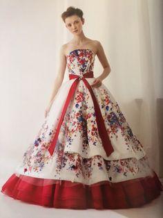 """テーマは""""大人ガーリー"""" 水彩画のような花柄が大人の気品と洗練さを演出♡ ビビッドな差し色が新鮮でスタイリッシュ^ ^ レンタルドレスにてご予約受付中です♪ http://salon-de-couture.co.jp Salon de couture Nakamura"""