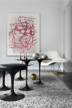 Cool and serene with fabulous art. Lhoas & Lhoas Architects