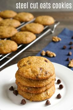These steel cut oats cookies are such a delicious snack. They're also healthy enough to eat for breakfast! Who can resist oatmeal in a cookie? #steelcutoats #oatmealcookies