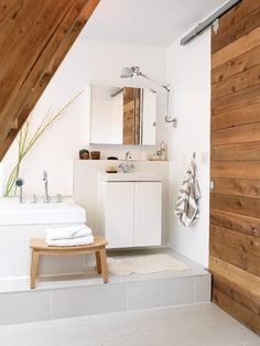 Interior Minimalist - Rustic Bathroom with Modern Design. Modern Country Bathrooms, Rustic Bathroom Designs, Bathroom Interior Design, Bathroom Styling, Modern Bathroom, Minimal Bathroom, Modern Wall, Barn Bathroom, Attic Bathroom