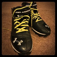 Under Armour football cleats size 9.5 Under Armour football cleats in men's size 9.5. These are from SF/PF home and in very GUC. Under Armour Shoes Athletic Shoes