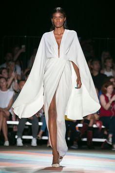 "wp automatic <img> blackgirls-wearing-ballgowns: "" ""Sherica Maynard at Christian Siriano S/S 2017 "" "" - White Fashion, Look Fashion, Fashion Show, Fashion Design, Couture Fashion, Runway Fashion, Womens Fashion, Beautiful Models, Beautiful Gowns"