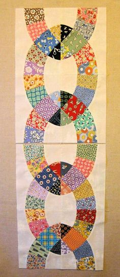 44th Street Fabric: How cool is this pattern?? It's free! Quilting Tutorials, Quilting Projects, Quilting Designs, Quilting Ideas, Quilt Block Patterns, Quilt Blocks, Quilt Border, Vintage Quilts, Vintage Fabrics