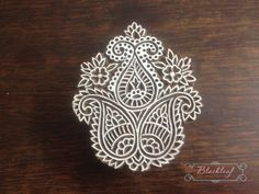 Wood Block Printing Hand Carved Indian Wood Block Printing Stamp Tree of Life Paisley Motif. Textiles, Textile Prints, Hand Embroidery Designs, Embroidery Patterns, Print Patterns, Indian Block Print, Indian Prints, Block Printing Designs, Stamp Carving