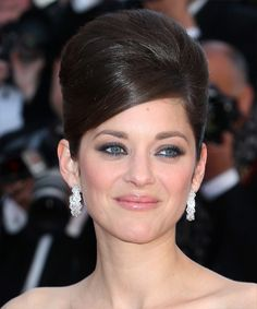 Marion Cotillard's formal updo for long straight hair. Click on the image to try on this hairstyle!