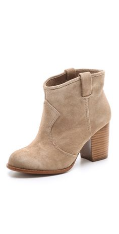 These are the suede booties I have been looking for! A must have for fall <3