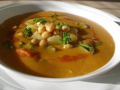 Cizrnovo - bramborová polévka s chutí Orientu (vydatná) Chana Masala, Cheeseburger Chowder, Thai Red Curry, Soup Recipes, Food And Drink, Cooking, Ethnic Recipes, Diet, Kitchen