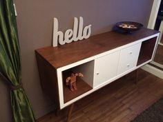 Un meuble styl ann es 50 avec kallax r tro java et tables for Meuble kallax porte